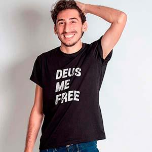 Camiseta com Frase - Deus me Free - Deus me Livre