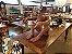 Escultura Mulher de Madeira Entalhada Decorativa - Imagem 6