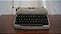 Antiga Máquina De Escrever Ramington Pequena - Imagem 1