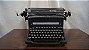 Antiga Máquina De Escrever Olivetti - Imagem 1
