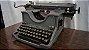 Antiga Máquina De Escrever Olivetti - Imagem 2