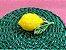 Porta queijo verde em vime com limão siciliano.  D=28 x H=14cm - Imagem 3