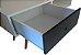 Mesa de apoio com uma gaveta, possui pés angulares em madeira  - Imagem 5