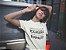 Camiseta Quando Quiser Falar De Mim Exagera Porque Gosto De Causar Impacto - Imagem 4