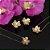 Brinco dourado floral com miolo de pérola  - Imagem 2