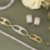 Pulseira dourada maleável cravejada em zircônias  - Imagem 2