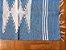 Tapetinho de bico azul claro e branco - Imagem 2