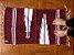 Tapetinho de bico lateral vinho e branco - Imagem 1