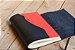 Caderno artesanal de couro preto com costura vermelha formato A6 Bodoque - Imagem 7