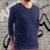 KIT 4 Camiseta Masculina Slim Fit GOLA V Manga Longa - 100% Algodão (1 Verde, 1 Preta, 1 Branca, 1 Azul) - Imagem 3