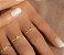 anel letras em ouro amarelo e branco - Imagem 3