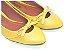 Sapatilha Amarela Vazada Com Lacinho Bico Fino - Imagem 1