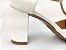 Sandália Scarpin Branca com Textura Salto 8 cm - Imagem 2