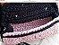 bolsa em fio de malha duas cores rosa antigo e preto com duas correntes uma curta em resina bege e outra longa  de metal prateado  - Imagem 2