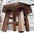 Mini Banquinho Sextavado Madeira p Decoração R25 - Betume 11,5x14cm - Rizzo Embalagens - Imagem 1