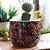Cachepô em Cerâmica Frida Kahlo Flores Vermelhas Fundo Preto - Imagem 2