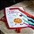 Tábua de Corte de Plástico Pizza de Pepperoni Vermelha - Imagem 2