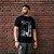 Camiseta T-Shirt Masculina - A Máscara da Peste - Armas - Imagem 4