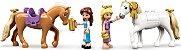 LEGO DISNEY 43195 ESTÁBULOS REAIS DE BELA E RAPUNZEL - Imagem 7