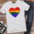 Camiseta CORAÇÃO ARCO-ÍRIS (Love) - Imagem 4