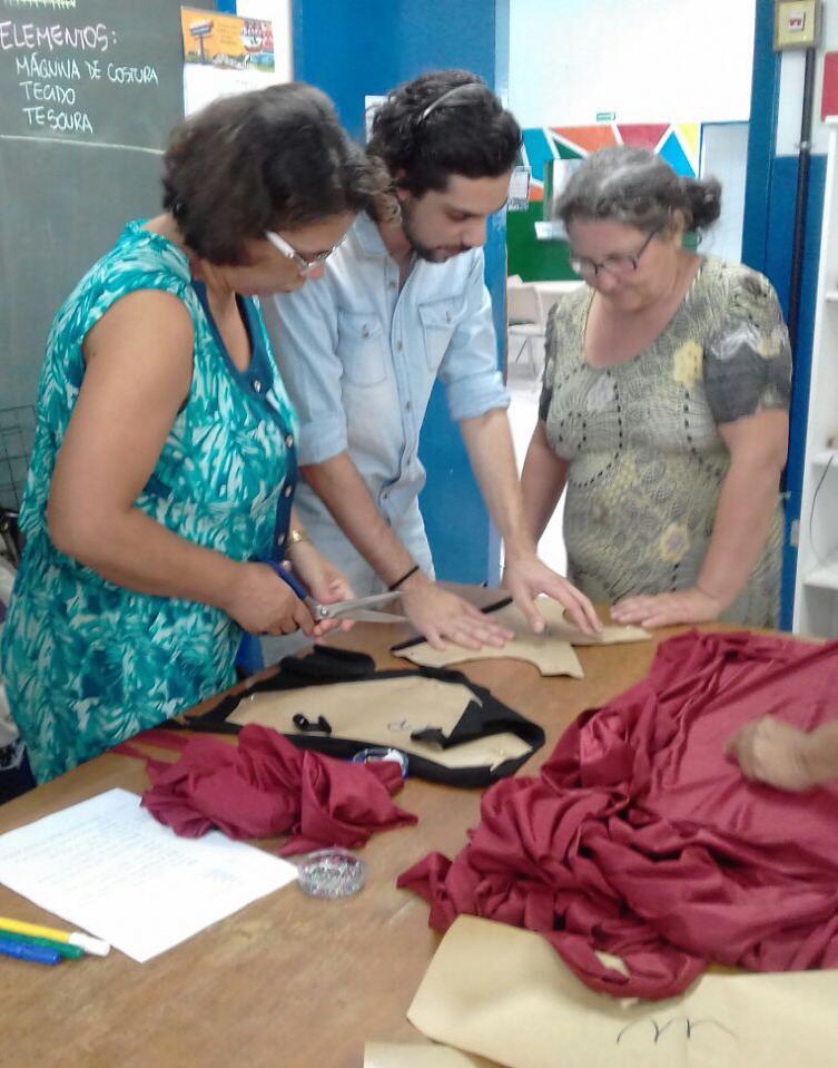 Leandro e as primeiras costureiras