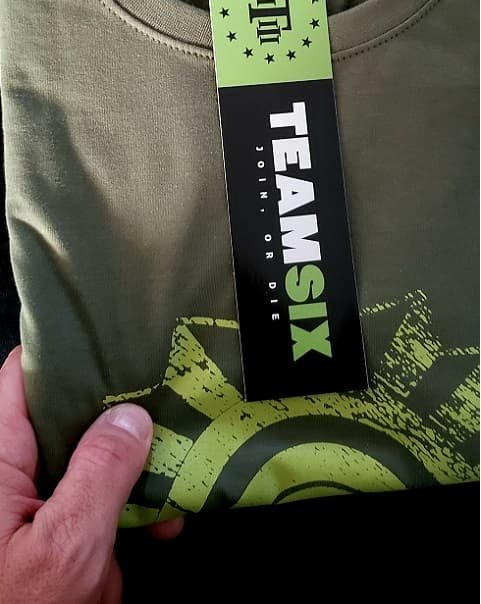 Camiseta TEAM SIX