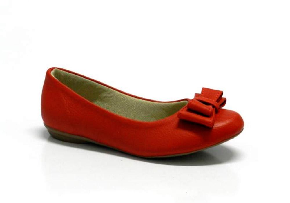 921ba45273 A Sapatilha Depp Básica de Laço é a melhor pedida para descer do salto sem  abrir mão da feminilidade. A delicadeza do calçado proporciona um visual  mais ...