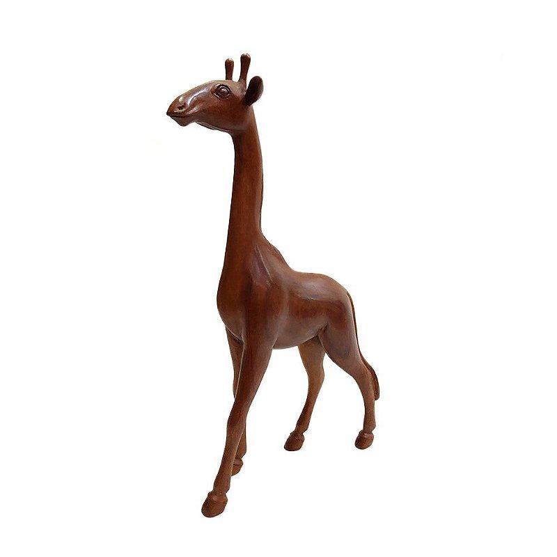 Escultura de Girafa Entalhada em Madeira