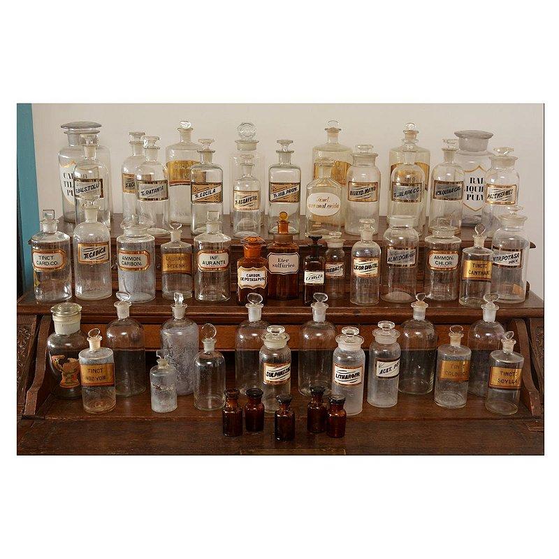 Vidros de farmácia antigos