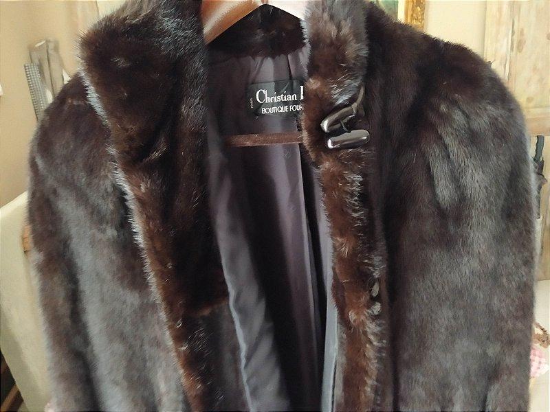 Vison - casaco de inverno feminino , medindo 90cm alt. Impecável