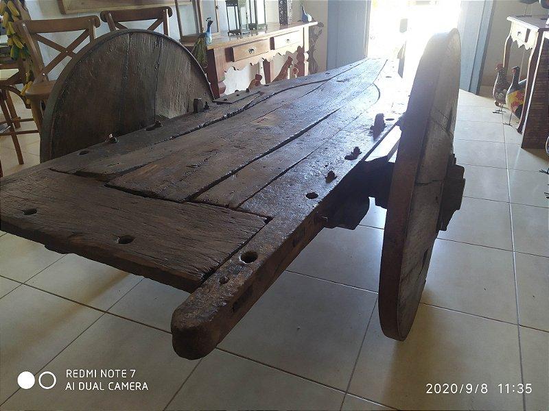 Mesa Carro de Boi , madeira antiga , feita de madeira nobre , escura roda restaurada