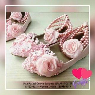 Sapato Rosa Bordado em couro