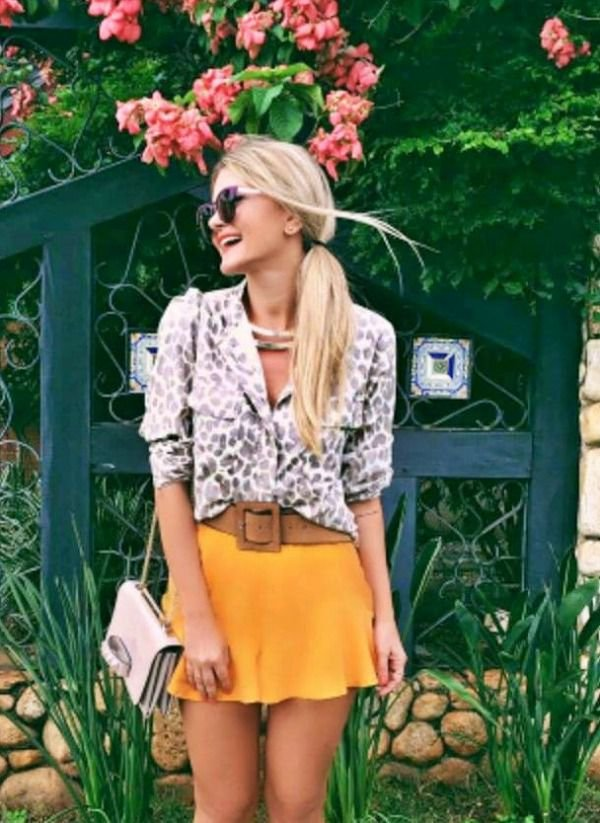 Shorts Saia Jeanseria Mostarda - liocel