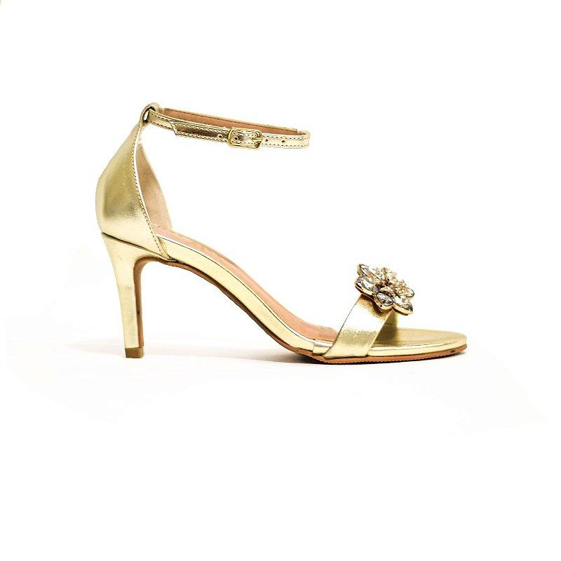 Sandália Metalizada Ouro com Flor de Pedraria