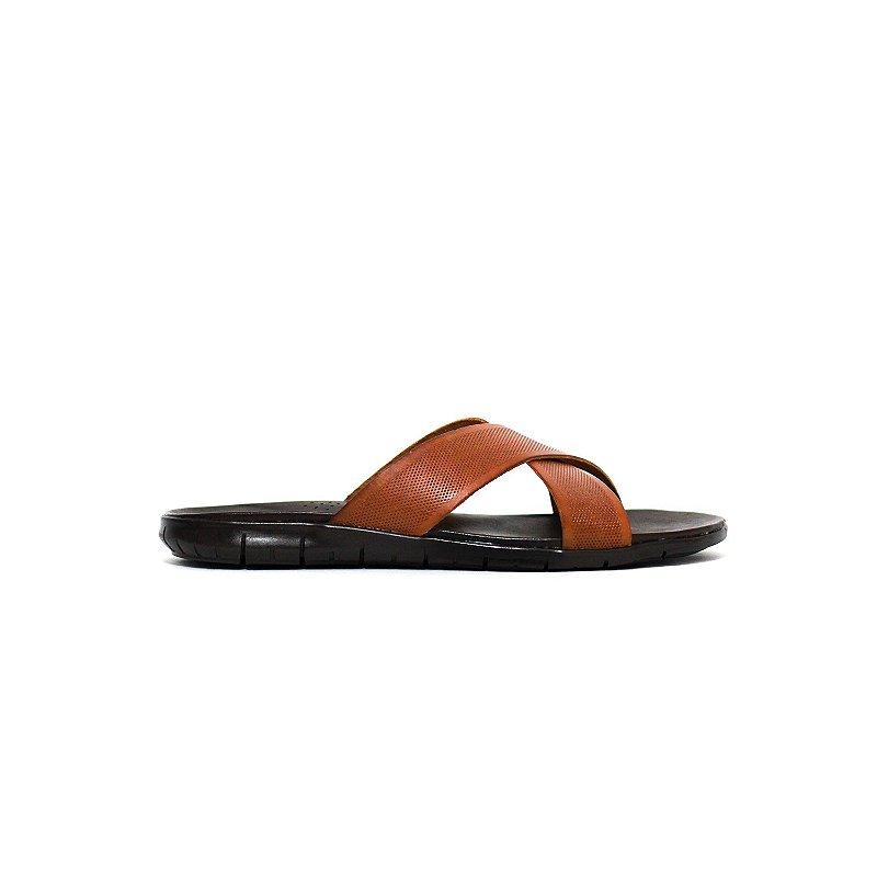 Sandália de Tiras de Couro com Textura de Diamante