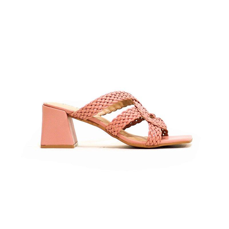 Sandália de Salto Trapézio e Tiras Trançadas Rosa Seco