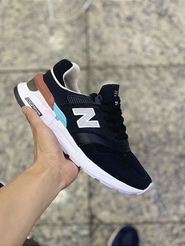 new balance preto e azul
