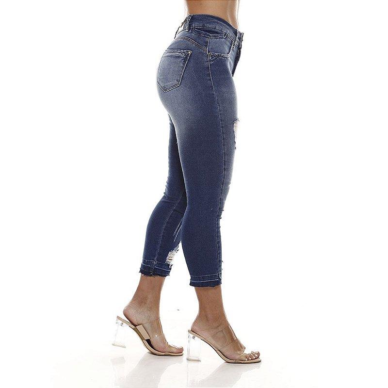 calça jeans prs capri com rasgos