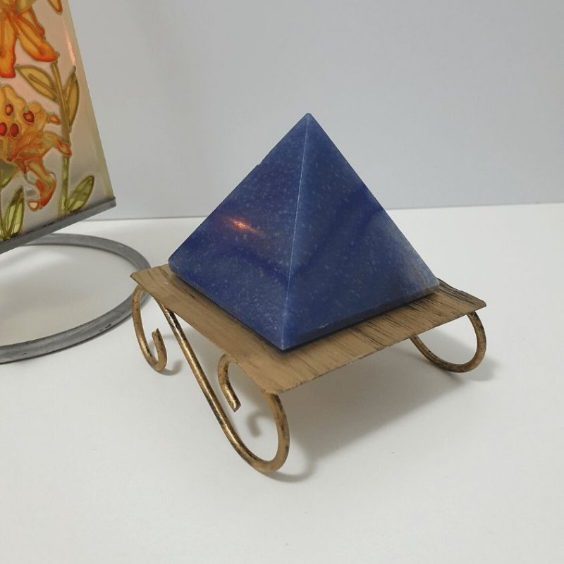 Pirâmide de Quartzo Azul - 202 Gramas 6cm x 6cm