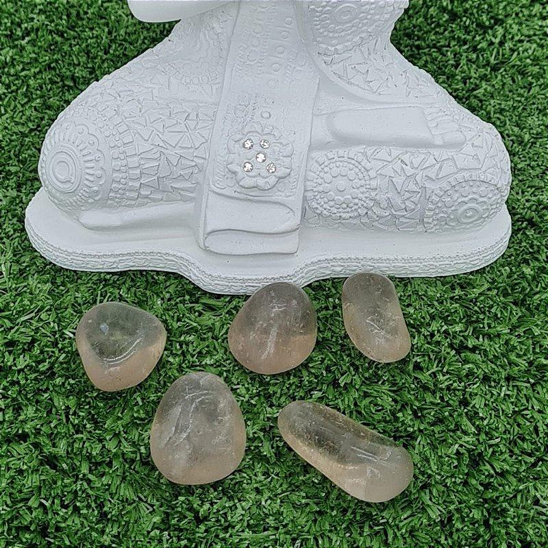 Pedra Quartzo Fumê Rolada (unidade) | 4cm x 1cm aprox.