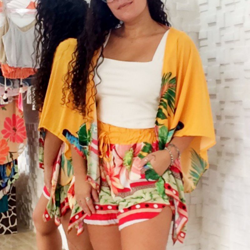 Kimono floral amarelo
