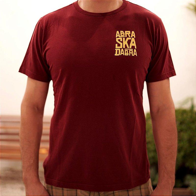 Camiseta ABRA-SKA-DABRA Vinho
