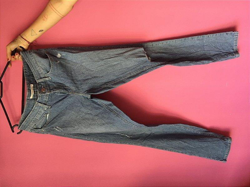 jeans levi's 711 brechó - tamanho US W30