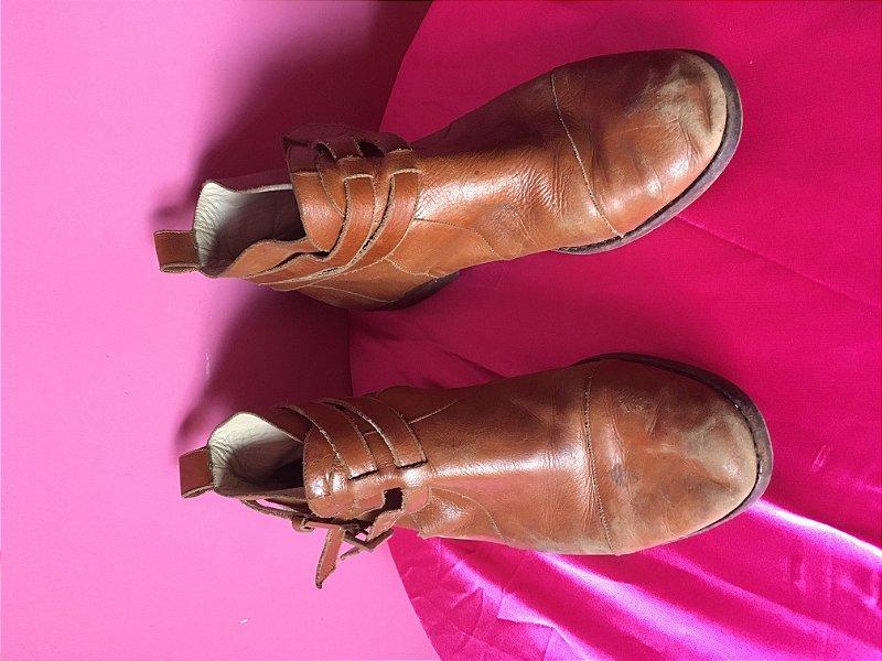 bota de couro Juliana Bicudo - tamanho 36
