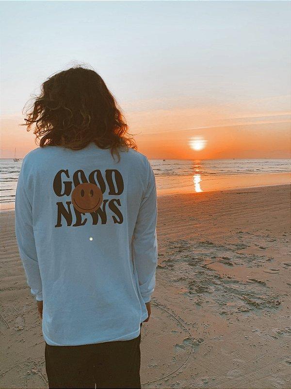 """Camiseta """"Good News"""" [manga longa]"""