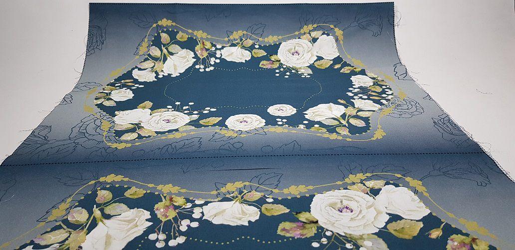 Jogo Americano:  White Flower in Blue