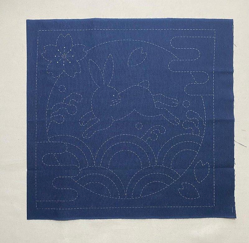 Hana-Fukin Sashiko Sampler 33x33cm. Marinho No. 390