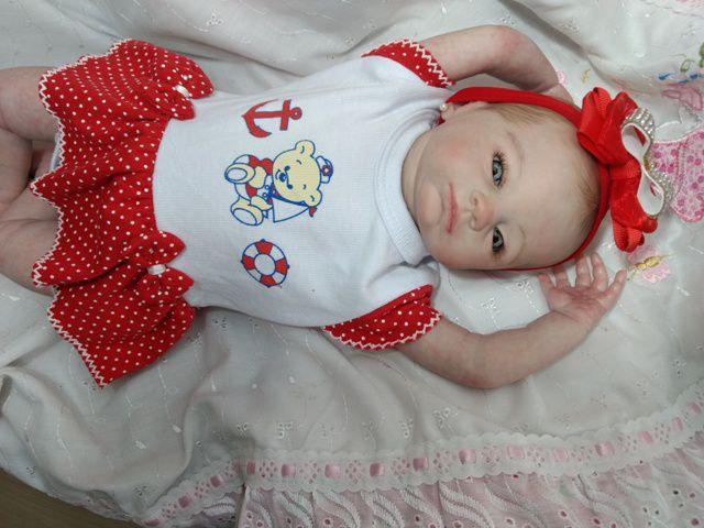 Bebê reborn menina, corpo de tecido, cabelos pintados