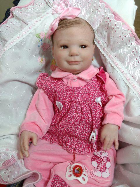 Bebê reborn menina, corpo em tecido, olhos e cabelos castanhos