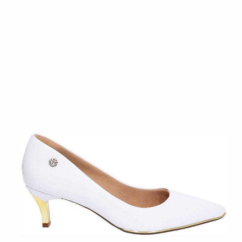 Scarpin Le Bianco Vernazza Salto Baixo Fino Dourado Branco em Verniz